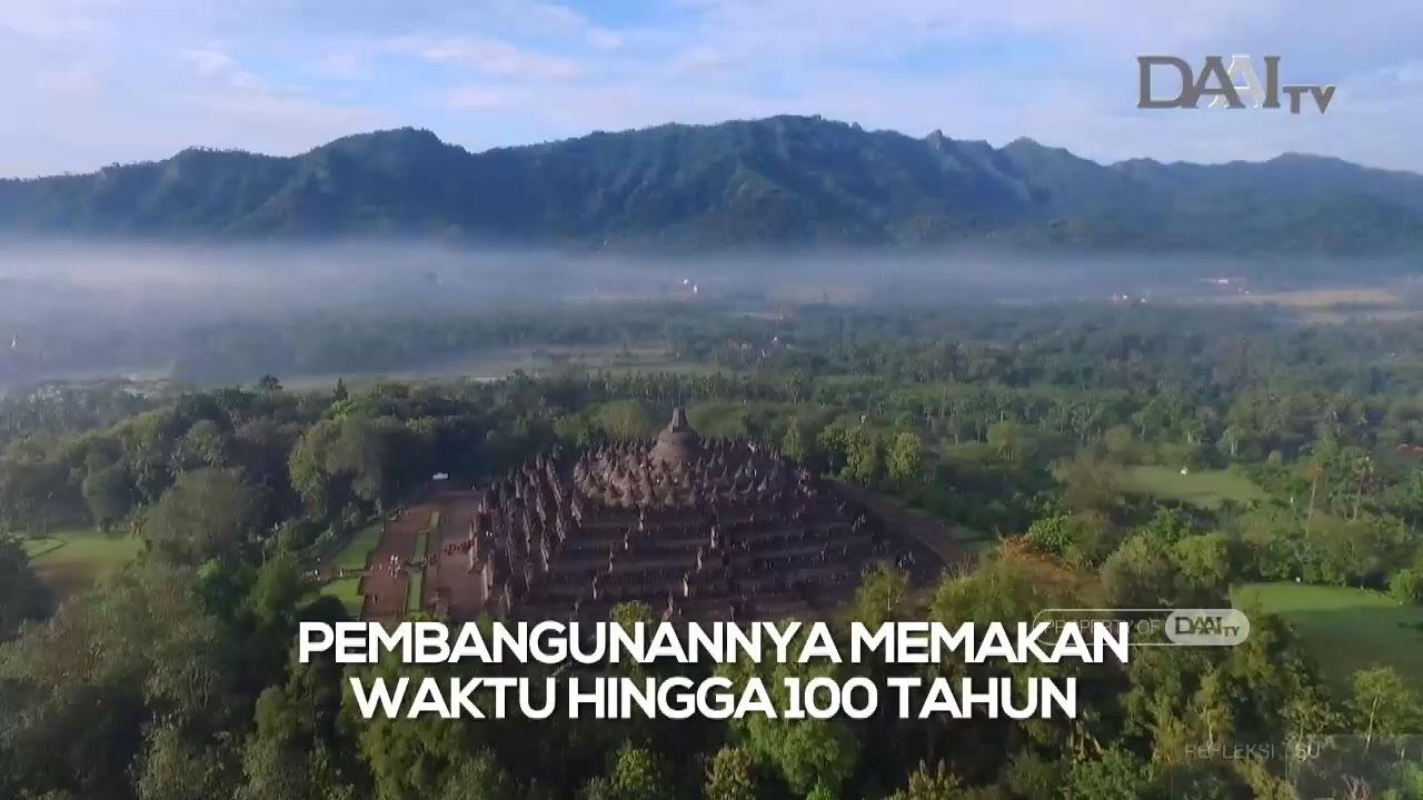 Potret Candi Borobudur dari ketinggian. Pembangunan Candi Borobudur memakan waktu 100 Tahun. Terdiri dari 2.672 panel relif, 504 arca buddha dan 72 stupa.