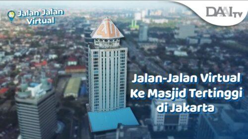 Memiliki puncak bagaikan mahkota bertuliskan lafaz Allah, gedung yang didirikan oleh Ary Ginanjar Agustian ini konon menjadi masjid tertinggi di Indonesia lho.