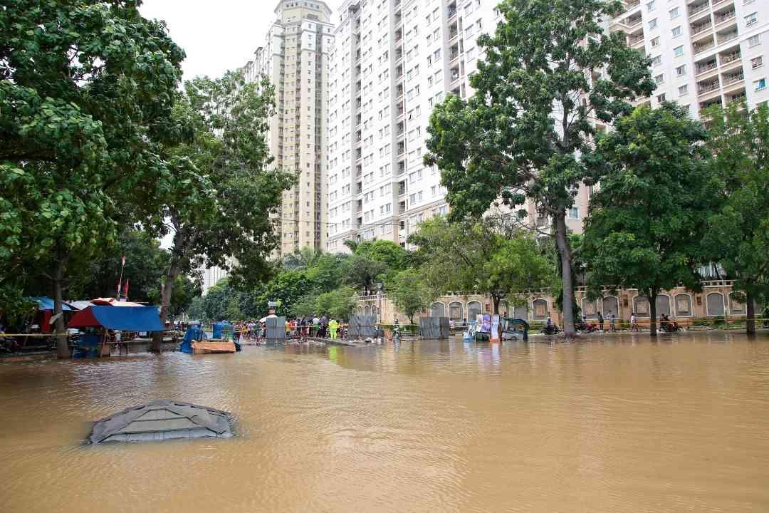 Ilustrasi: Hujan deras yang terjadi selama musim hujan menyebabkan banjir di wilayah DKI Jakarta. (Foto/Canva)